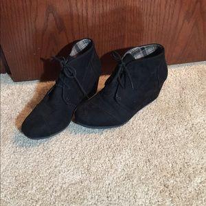 Black wedge ankle bootie 8.5